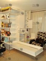 <p> Встроенный трансформируемый шкаф с откидной кроватью и выдвижным столом для детской.</p>