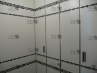 <p> Встроенные шкафы в ванной комнате.</p>