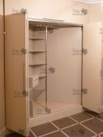<p> Угловой шкаф встроенный в угловой нише.</p>