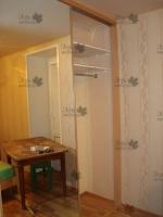<p> Встроенный шкаф купе под неровный потолок (Стальная система раздвижения Шкафы-купе Командор(Komandor)</p>