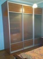<p> Шкаф купе для спальни с матовым стеклом.</p>